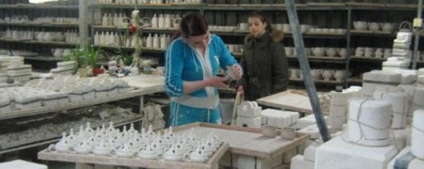 На зарплату рабочим завода «Фарфор Сысерти» выделили 350 тыс рублей