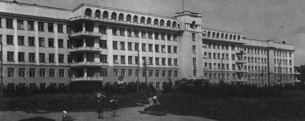 В Екатеринбурге заброшенная больница в Зеленой роще может обрести вторую жизнь и стать школой