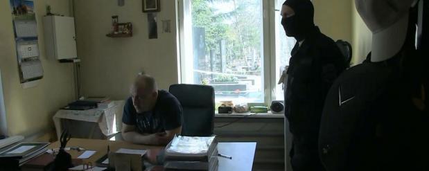 Смотритель кладбищ похитил у жителей Екатеринбурга около 2 миллионов рублей