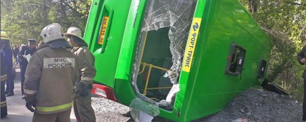 В ДТП с автобусом пострадали более 20-ти человек