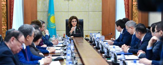 Дарига Назарбаева раскритиковала правительство за некачественные законопроекты